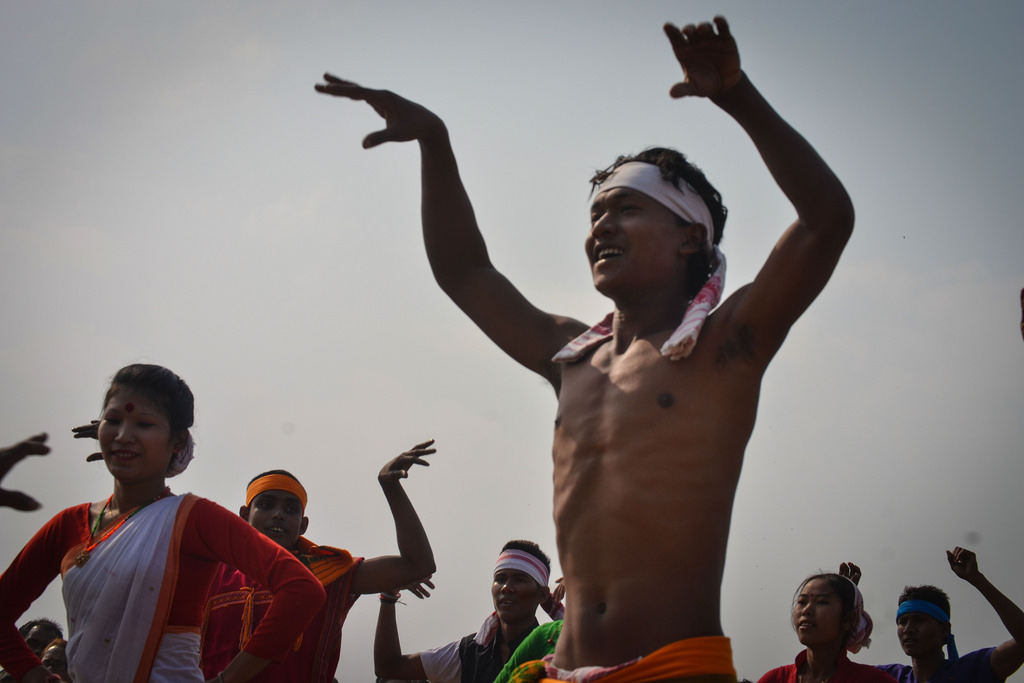 There are various dance performances by these communities, cockfights and fish melas during the fair. A group from Dimoria perform a dance on the joy of fishing.