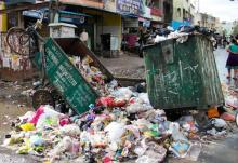 A scene outside the ever-crowded Kottur Market in Chennai. Source: India Water Portal
