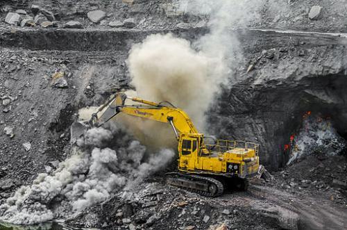 Jharia coal mine in Jharkhand. Image: Abhishek/Wikimedia Commons