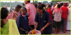 Members of SWaCH collecting waste during a festival. Source: SWaCH